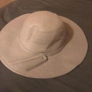 Leigh felt hat